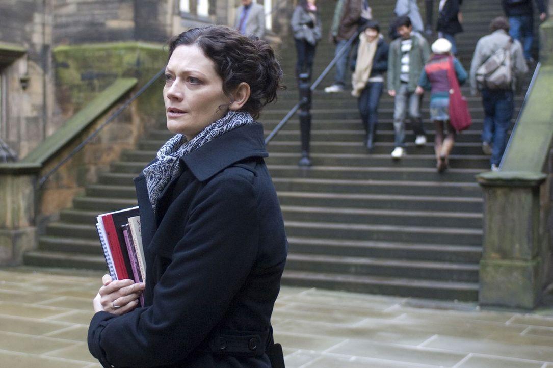 Die Parapsychologin Mary Florescu (Sophie Ward) ahnt nicht, dass sie einem Schwindler aufgesessen ist. Doch glücklicherweise lassen sich das die To... - Bildquelle: Sunfilm