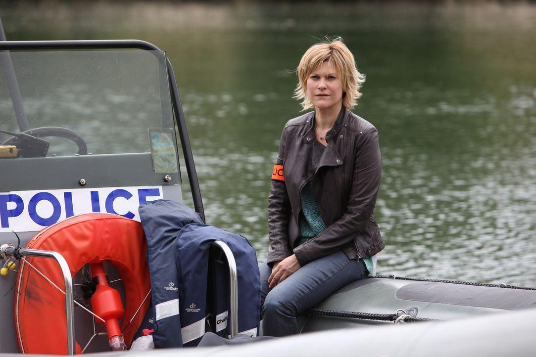 Als eine Frauenleiche in der Seine entdeckt wird, kennt Fred (Vanessa Valence) relativ schnell die Todesursache, doch das Mordmotiv bleibt unklar ... - Bildquelle: 2011 BEAUBOURG AUDIOVISUEL