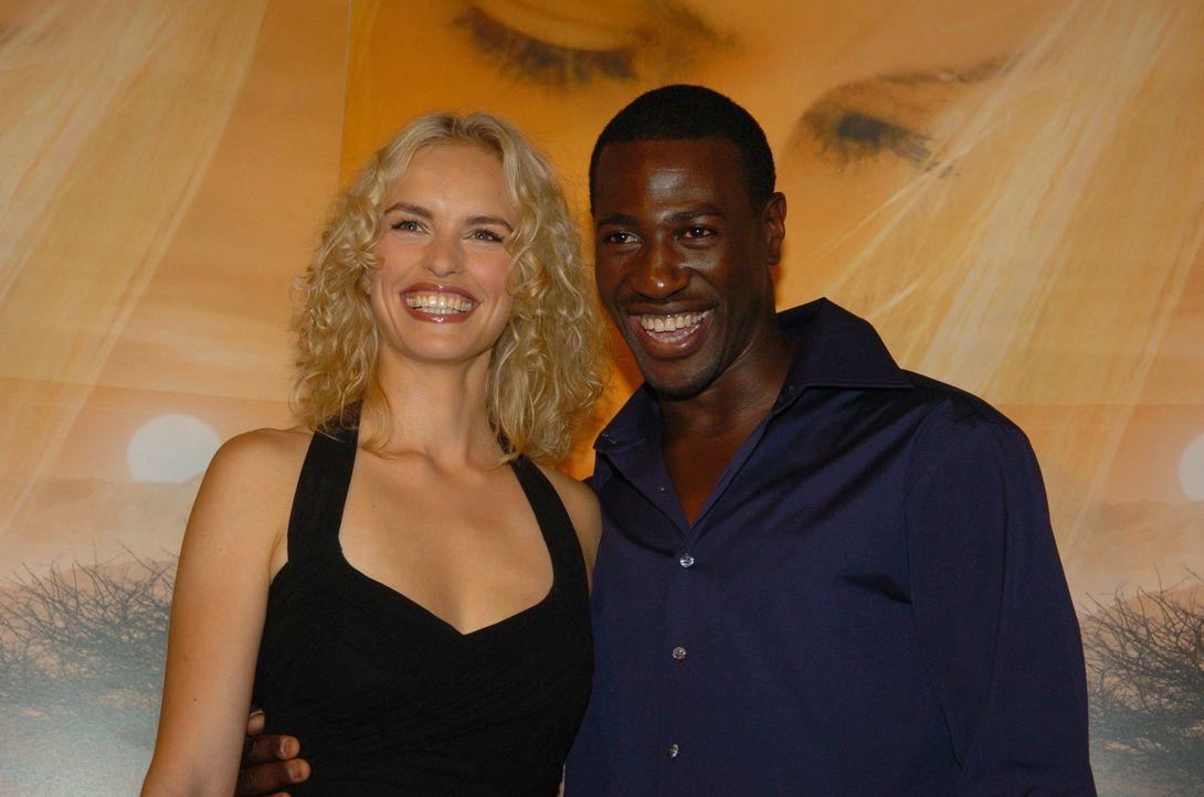 """Nina Hoss und Jacky Ido bei der Premiere zu """"Die Weisse Massai"""". - Bildquelle: Constantin Film Produktion GmbH"""