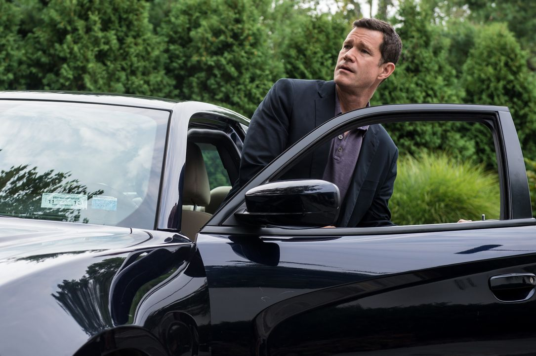 Als Al (Dylan Walsh) nach Southampton kommt, ahnt er noch nicht, dass hinter dem Mordfall ein Serienmörder stecken könnte ... - Bildquelle: 2013 Sony Pictures Television Inc. All Rights Reserved.