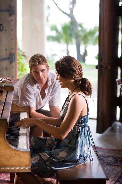 Dank Will (Liam Hemsworth, l.) findet Ronnie (Miley Cyrus, r.) zurück zur Musik und zu ihrem Vater ... - Bildquelle: Sam Emerson SMPSP Touchstone Pictures.  All Rights Reserved
