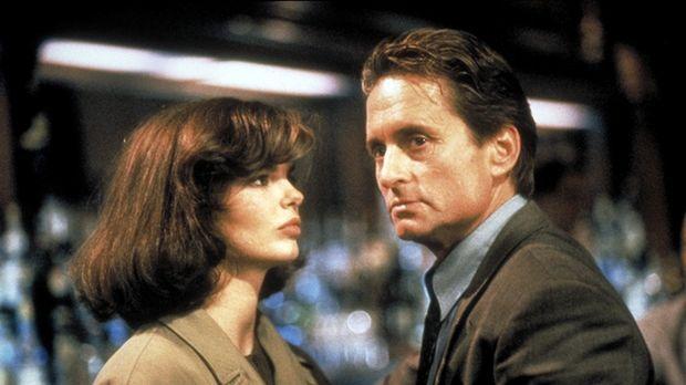 Im Zuge der Ermittlungen kommt Detective Nick Curran (Michael Douglas, r.) ei...