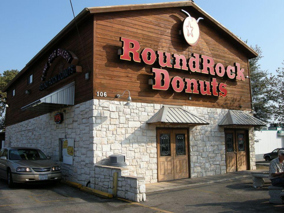 Nicht nur für Donut-Liebhaber ist Round Rock Donuts nördlich von Austin einen Besuch wert, auch sonst hat die Bäckerei einiges zu bieten ... - Bildquelle: 2008, The Travel Channel, L.L.C.