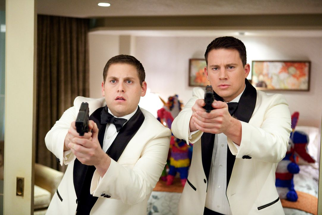 Nachdem ihre ersten Erfahrungen als Cop wenig erfolgversprechend verliefen, werden Schmidt (Jonah Hill, l.) und Jenko (Channing Tatum, r.) undercove... - Bildquelle: TM &  2014 Metro-Goldwyn-Mayer Studios Inc. All Rights Reserved.