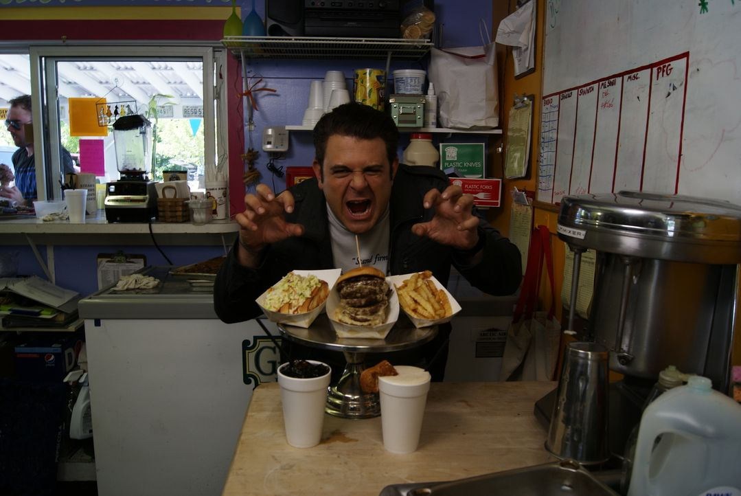 Für gutes Essen hat Adam Richman eine absolute Schwäche .... - Bildquelle: 2010, The Travel Channel, L.L.C.