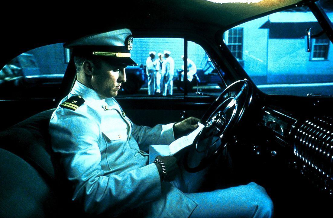 Während des Zweiten Weltkriegs erhält Lt. Andrew Tyler (Matthew McConaughey) einen streng geheimen Auftrag. Er soll das deutsche U-Boot U-571, das... - Bildquelle: 2000 Universal Pictures. All Rights Reserved