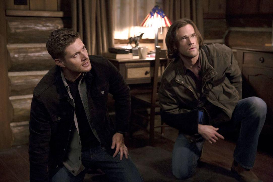 Müssen sich eingestehen, dass sie möglicherweise beide noch nicht wieder ganz auf der Höhe sind: Dean (Jensen Ackles, l.) und Sam (Jared Padalecki,... - Bildquelle: 2016 Warner Brothers
