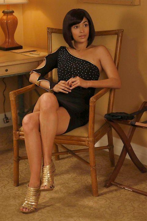 Hat eine ganz besondere Geschichte für ihre Freunde: Cece (Hannah Simone) ... - Bildquelle: 2013 Twentieth Century Fox Film Corporation. All rights reserved