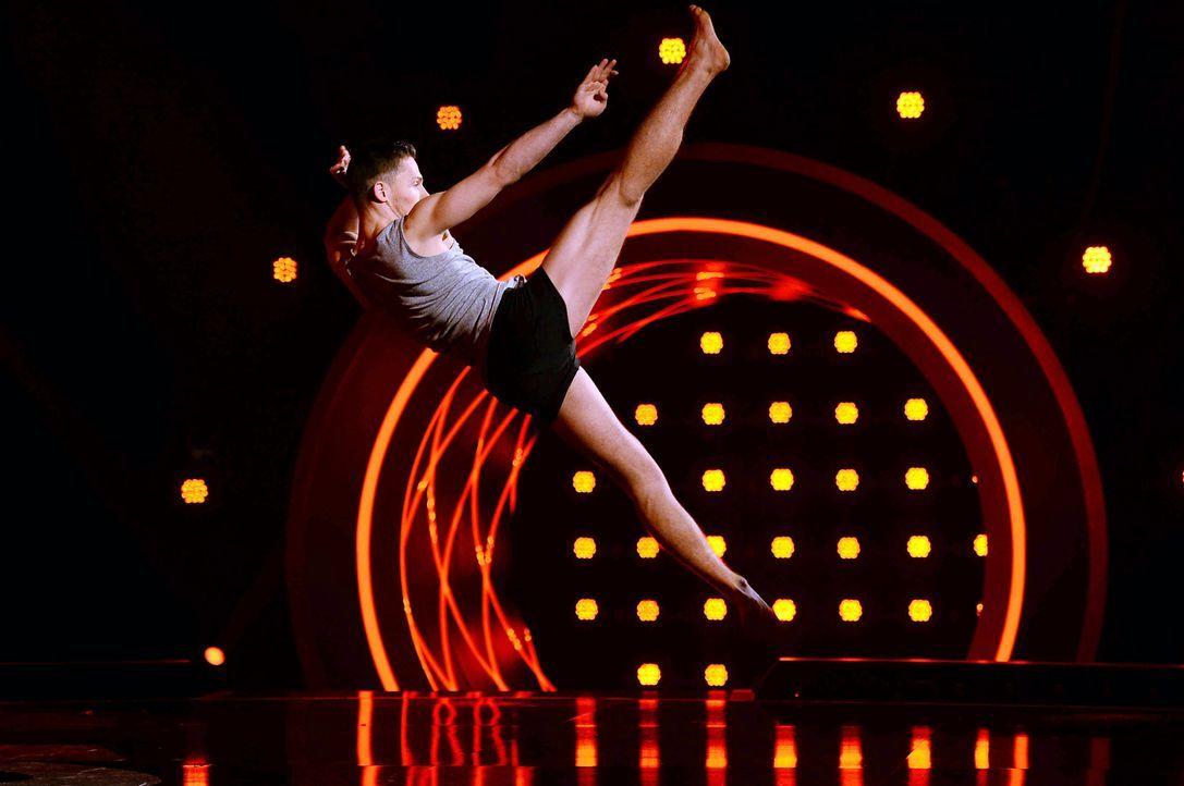 Got-To-Dance-Sergey-02-SAT1-ProSieben-Willi-Weber - Bildquelle: SAT.1/ProSieben/Willi Weber