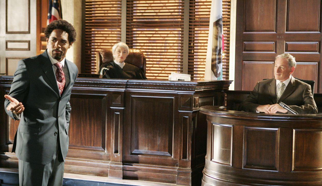Was bringt Jordan (Victor Garber, r.) in den Zeugenstand von Keith Bennett (Jason George, l.) und Richterin Ryan (Megan Cole, M.)? - Bildquelle: Disney - ABC International Television