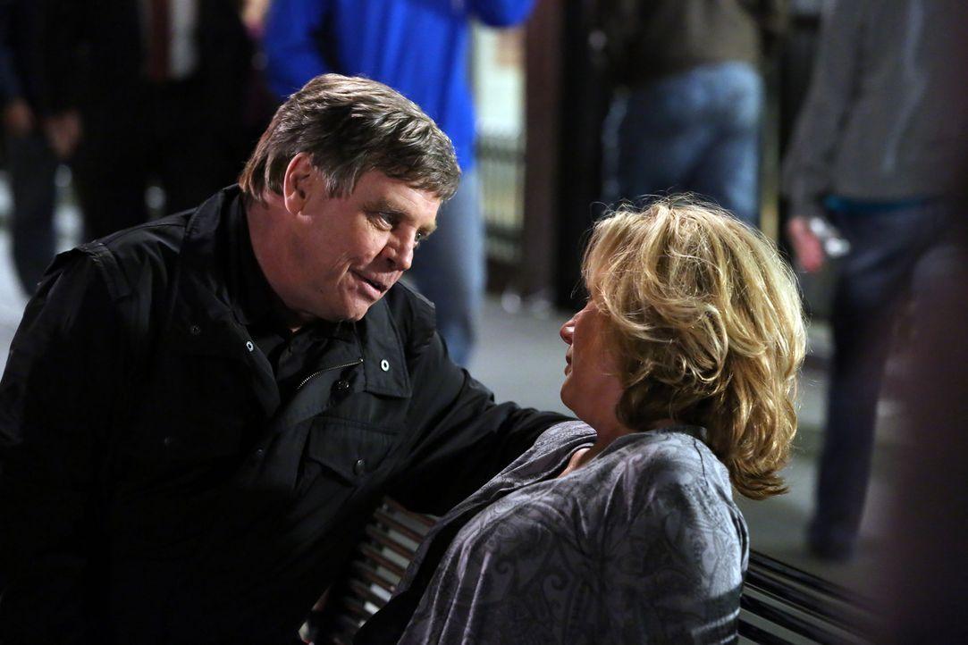 Was hat John Curtis (Mark Hamill, l.) mit Erin Strauss (Jayne Atkinson, r.) vor? - Bildquelle: ABC Studios