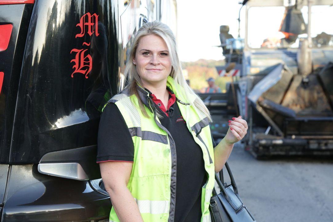 Christina Scheib aus Tegernsee ist ein neues Trucker Babe. Das Multitalent sitzt mit ihrem Teer-Truck zwischen den wohl männlichsten Berufen in Deut... - Bildquelle: kabel eins