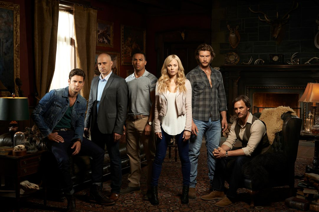(1. Staffel) - Können Jeremy Danvers (Greg Bryk, r.), Clayton Danvers (Greyston Holt, 2.v.r.), Elena Michaels (Laura Vandervoort, 3.v.r.), Logan Jon... - Bildquelle: 2014 She-Wolf Season 1 Productions Inc.