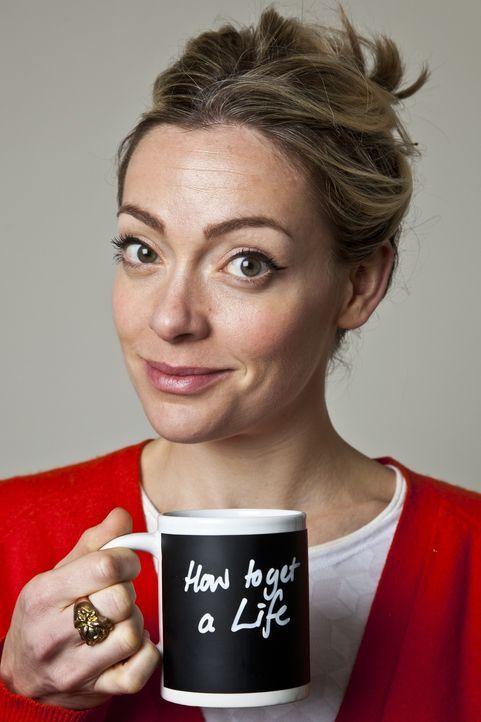 Die charmante britische Reporterin Cherry Healey stellt in ihrer Show die wirklich wichtigen Fragen des Lebens. - Bildquelle: Warner Bros.