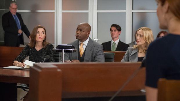 Alicia (Julianna Margulies, l.) und Dean (Taye Diggs, M.) vertreten eine Klie...