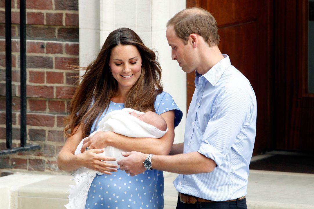 Prinz William und Herzogin Kate mit ihrem Baby - Bildquelle: dpa / Verwendung nur in Deutschland