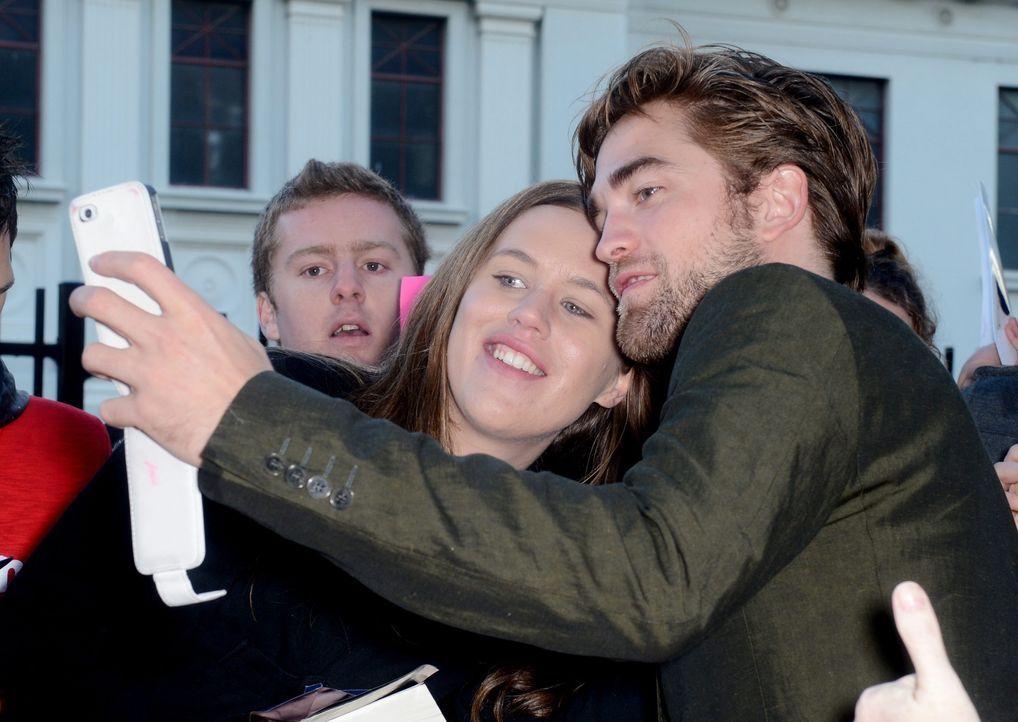 Robert Pattinson  - Bildquelle: EPA/TRACEY NEARMY AUSTRALIA AND NEW ZEALAND OUT +++(c) dpa - Bildfunk+++ Verwendung nur in Deutschland