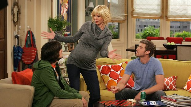 Davis (Nicolas Wright, l.), Billie (Jenna Elfman, M.) und Zack (Jon Foster, r...