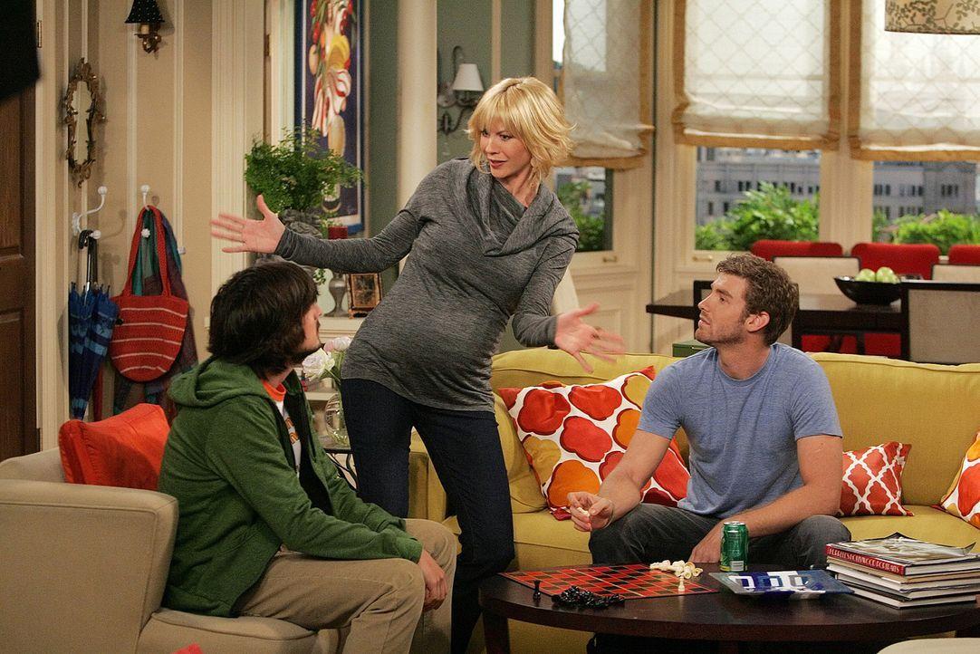 Davis (Nicolas Wright, l.), Billie (Jenna Elfman, M.) und Zack (Jon Foster, r.) müssen feststellen, dass ein Baby nicht gerade eine billige Angeleg... - Bildquelle: 2009 CBS Broadcasting Inc. All Rights Reserved