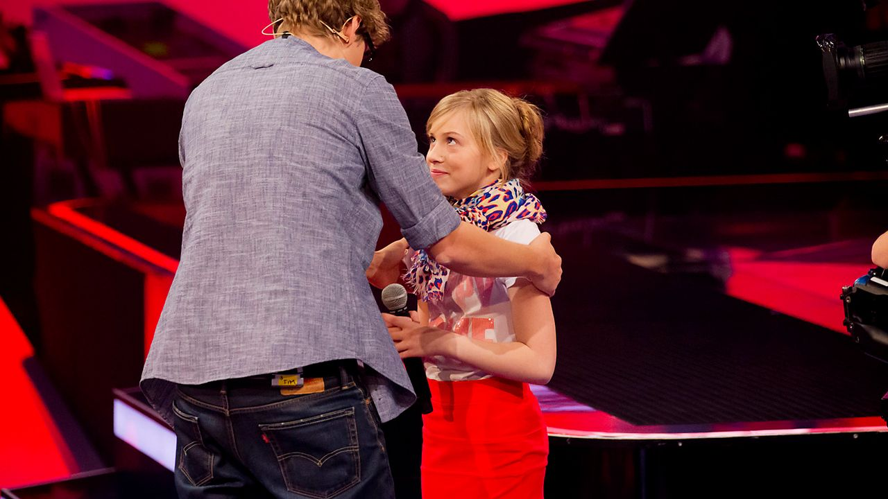 The-Voice-Kids-epi03-danach-Thea-SAT1-Richard-Huebner - Bildquelle: SAT.1/Richard Hübner