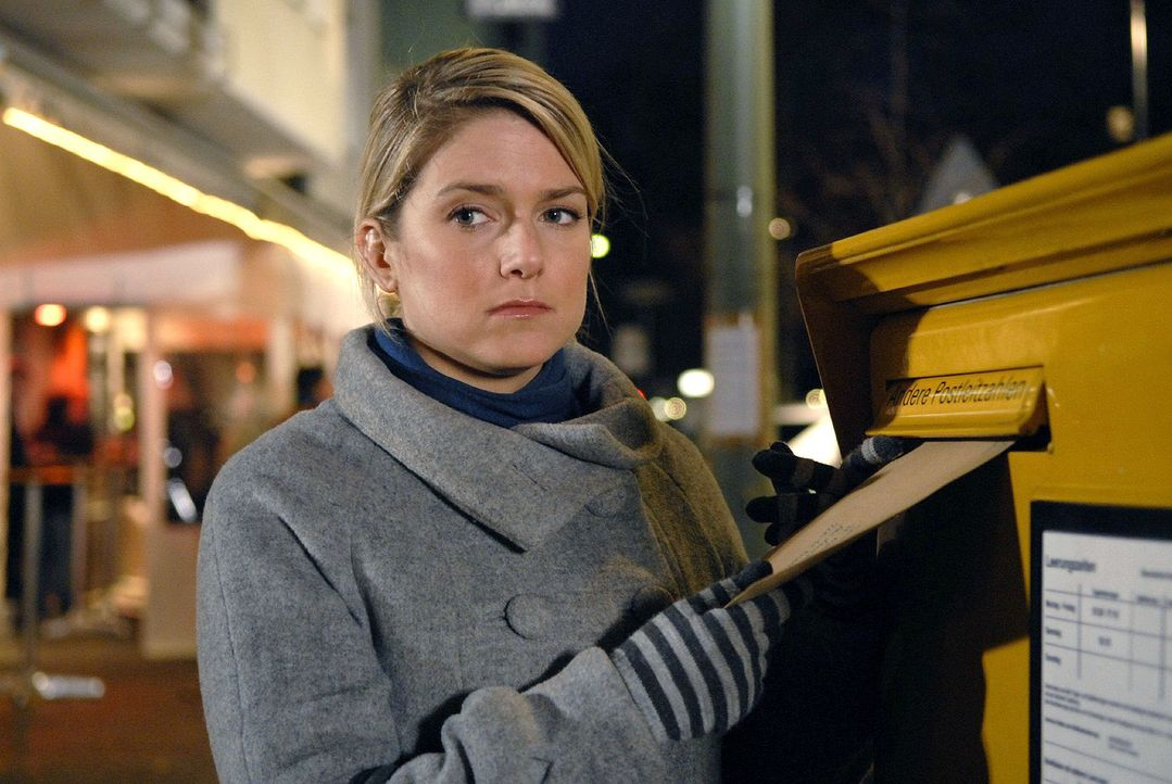Anna (Jeanette Biedermann) trauert ihren Hoffnungen hinterher ... - Bildquelle: Christoph Assmann Sat.1