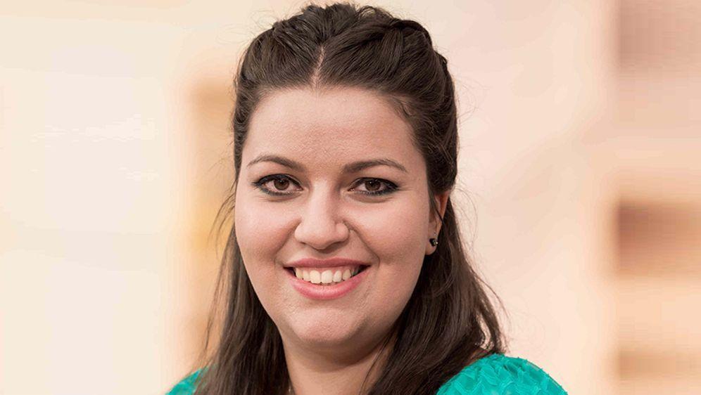 """Özlem ist eine Kandidatin bei """"Das große Backen""""  - Bildquelle: SAT.1/Claudius Pflug"""