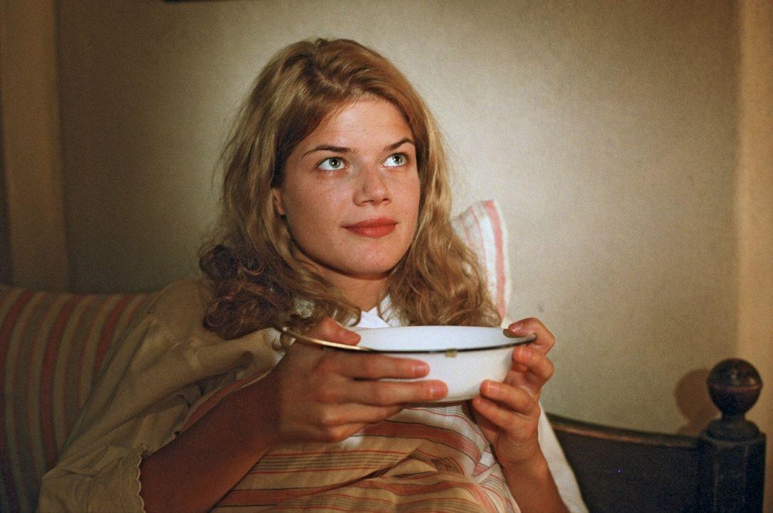 Anna (Annekathrin Bach) sieht wieder einen Funken Hoffnung für ihr Leben ... - Bildquelle: Aki Pfeiffer Sat.1
