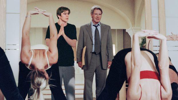 Während Joe Gavilan (Harrison Ford, r.) seine Arbeitszeit meist dem Immobilie...