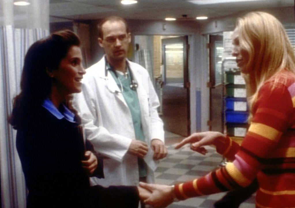 Der eigentlich schüchterne Dr. Greene (Anthony Edwards, M.) hat sich mit mehreren Frauen gleichzeitig verabredet. - Bildquelle: TM+  2000 WARNER BROS.