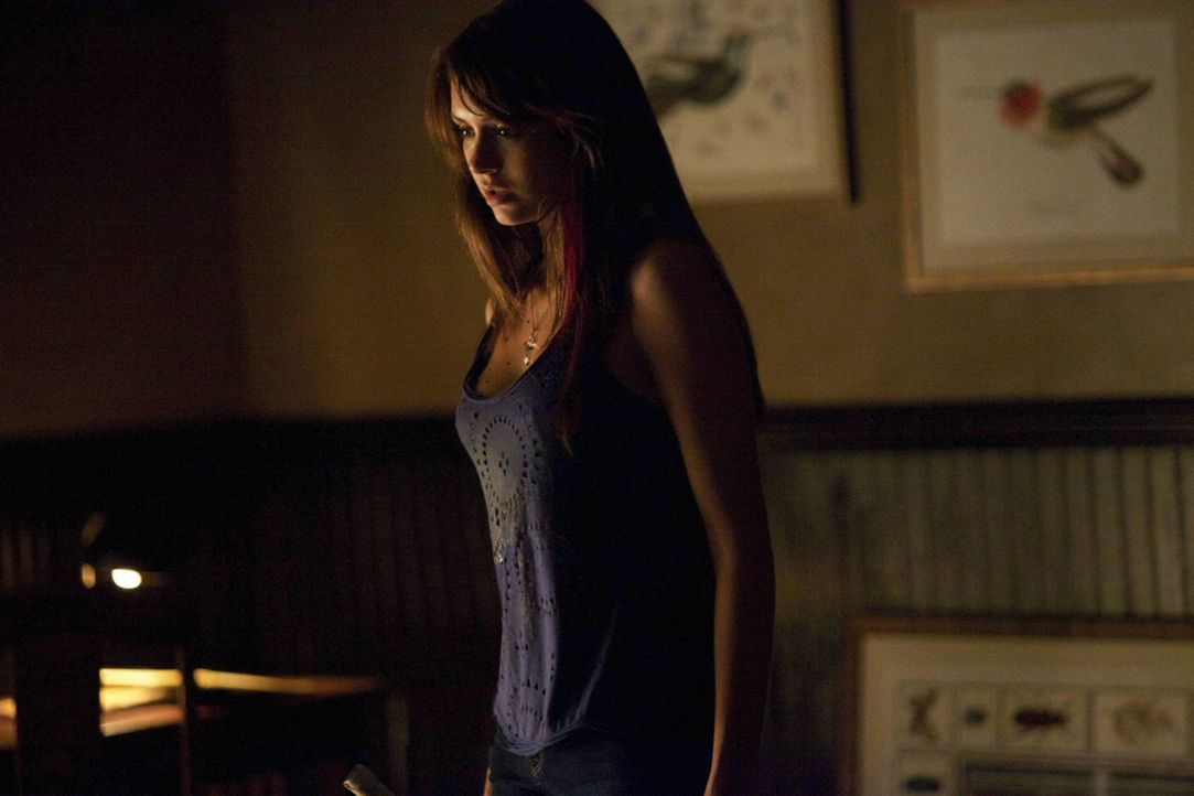 Hat Elena Angst? - Bildquelle: Warner Bros. Entertainment Inc.