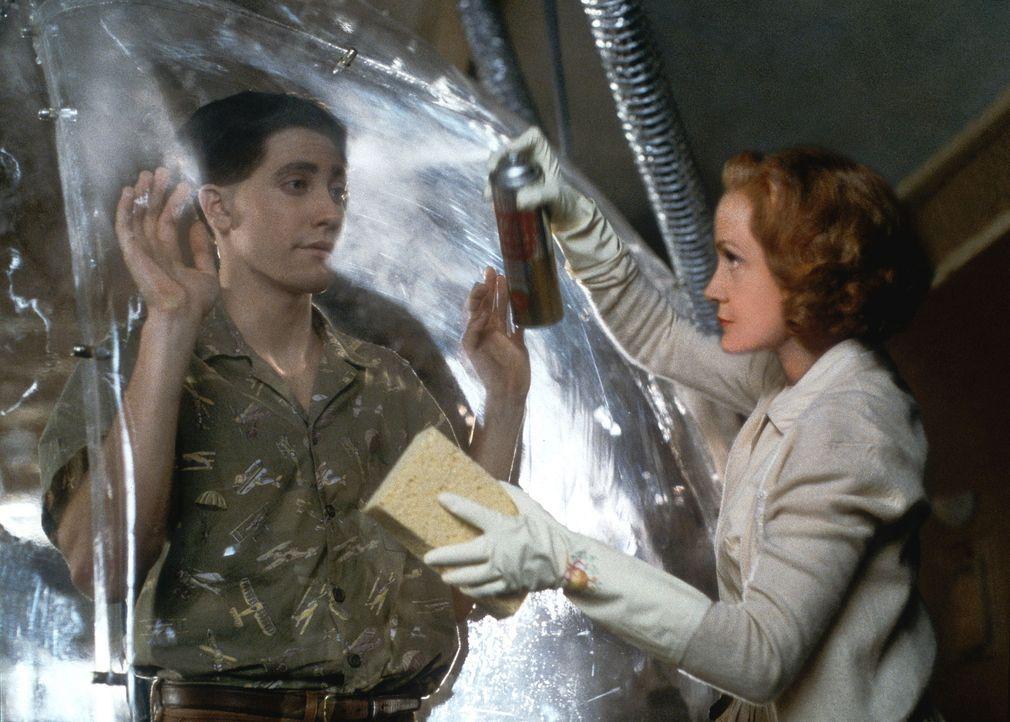 Trotz aller Risiken will Jimmy (Jake Gyllenhaal, l.) sein Leben nicht mehr hinter der schützenden Plastikblase verbringen - auch gegen den Willen se... - Bildquelle: Touchstone Pictuures
