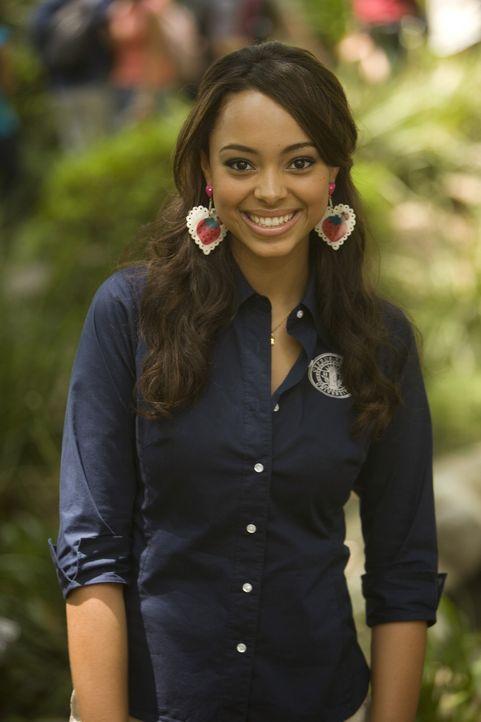 Ashleigh (Amber Stevens), die sich mit ihrer Kreditkarte hoch verschuldet hat, hat endlich einen Job gefunden ... - Bildquelle: 2008 ABC Family