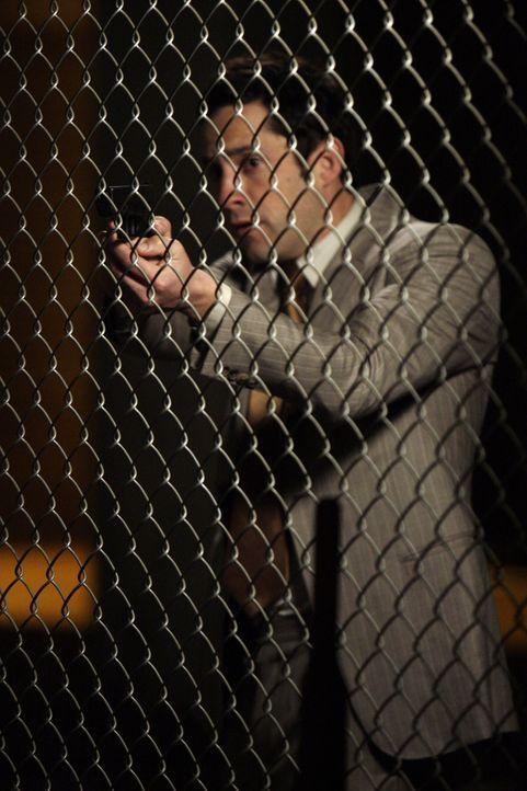 Zusammen mit Martin gelingt es Danny Taylor (Enrique Murciano), Kim ausfindig zu machen ... - Bildquelle: Warner Bros. Entertainment Inc.