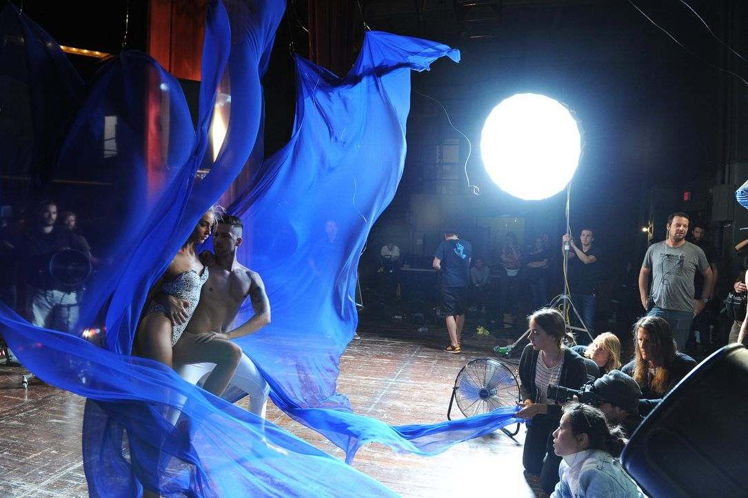 GNTM-Stf10-Epi12-Dance-Shooting-57-Chiara-ProSieben-Micah-Smith - Bildquelle: ProSieben/ Micah Smith