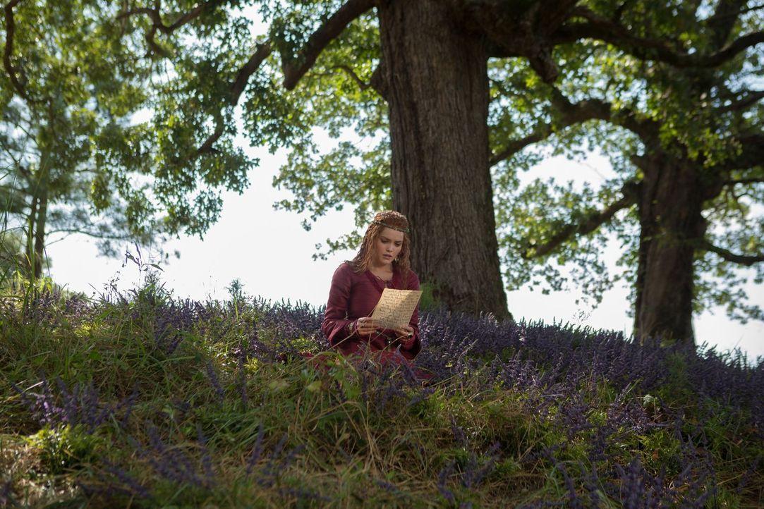 Auroras (Rebecca Breeds) Auftauchen in New Orleans lenkt nicht nur Klaus' Leben in andere Bahnen ... - Bildquelle: Warner Bros. Entertainment Inc.