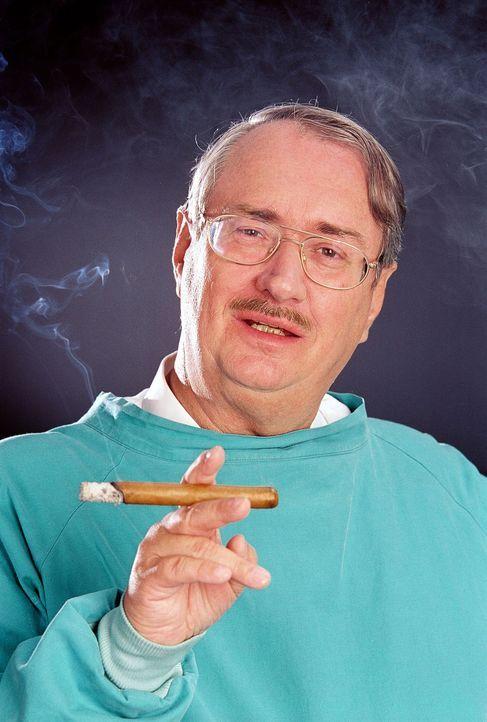 Dr. Leo Graf (Gerhard Zemann) verhilft durch seine gerichtsmedizinischen Erkenntnisse Rex und seinen Herrchen oft auf die richtige Spur ... - Bildquelle: Ali Schafler Sat.1
