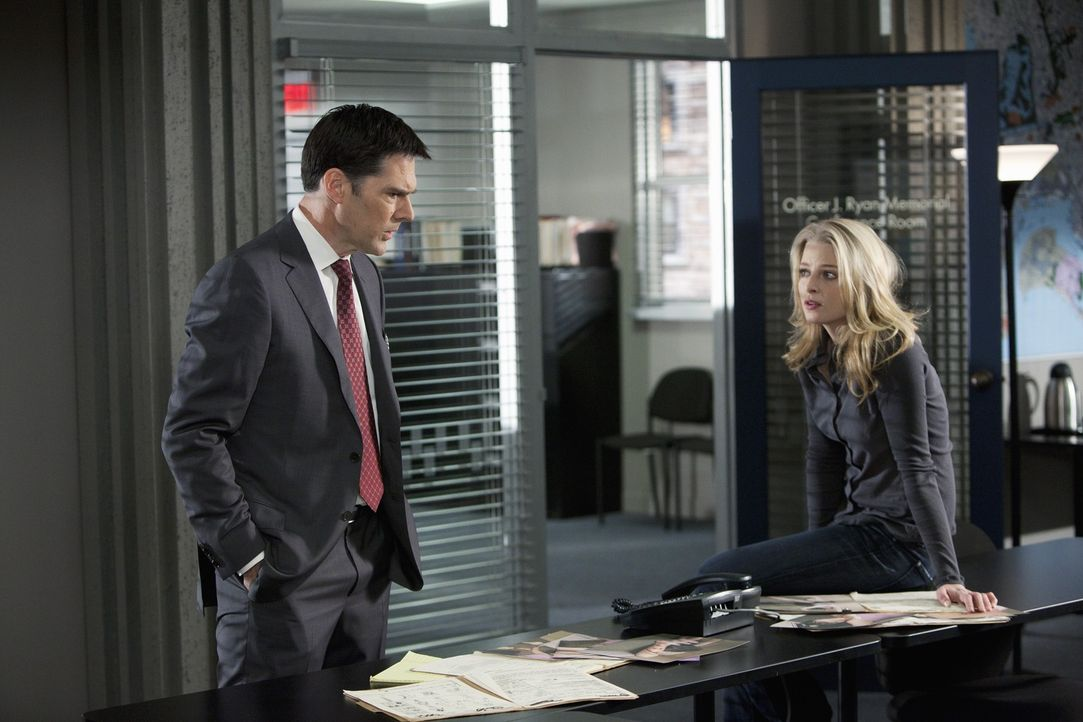Für das Team um Hotch (Thomas Gibson, l.) und Ashley (Rachel Nichols, r.) beginnt ein Wettlauf mit der Zeit, um einem Serientäter zu fassen, bevor e... - Bildquelle: ABC Studios