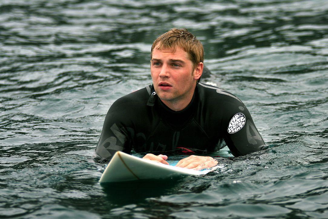 Der leidenschaftliche Surfer Jason (Mike Vogel) genießt seinen Urlaub in Spanien in vollen Zügen. Doch dann lässt er sich von einem dubiosen Händler... - Bildquelle: Manufacturas Audiovisuales, S.L. and Urconsa 2003, S.L.