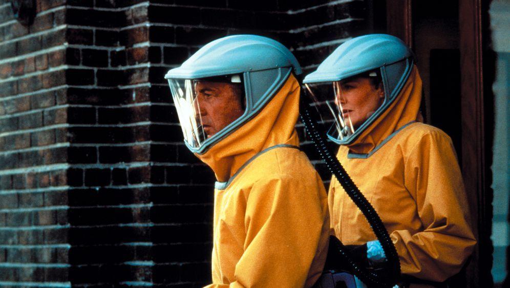 Outbreak - Lautlose Killer - Bildquelle: Warner Brothers International Television Distribution Inc.