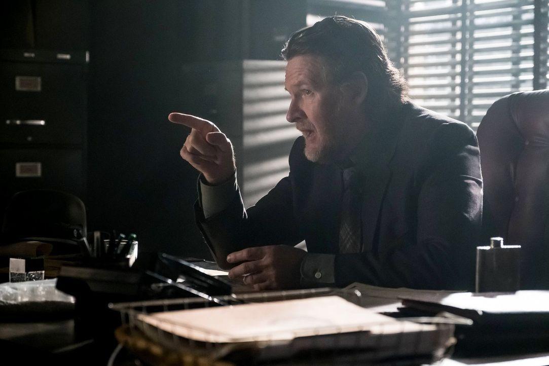 Versucht alles, um zusammen mit Gordon Gotham zu retten: Bullock (Donal Logue) ... - Bildquelle: Warner Brothers