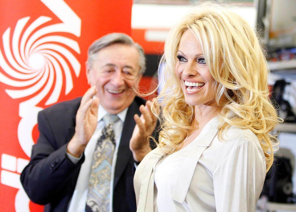 Richard-Lugner-Pamela-Anderson-12-03-05-dpa - Bildquelle: dpa