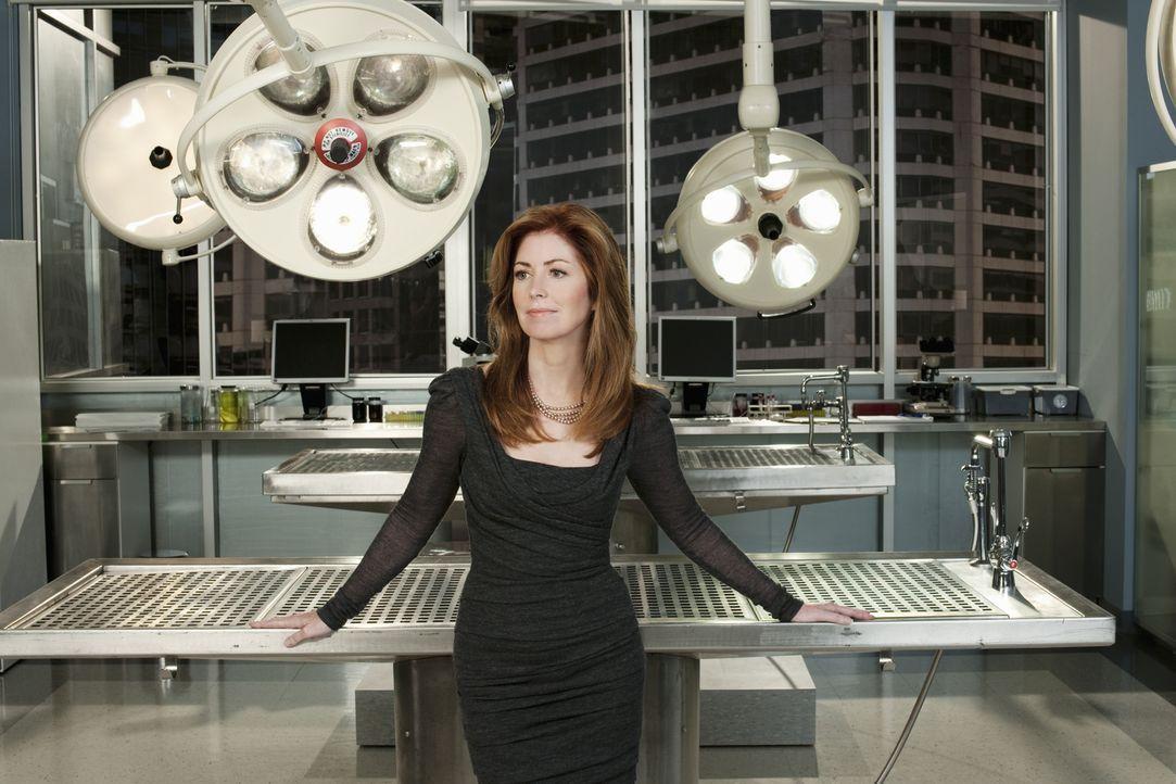 (1. Staffel) - Zwischen Leichen und verstümmelten Extremitäten angekommen, überschreitet Megan (Dana Delany) ein um's andere Mal Ihre Kompetenzen, w... - Bildquelle: 2010 American Broadcasting Companies, Inc. All rights reserved.