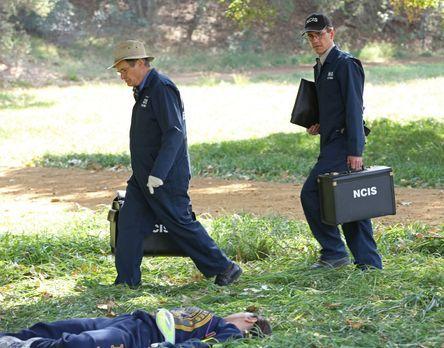 Navy CIS - Ein neuer Fall wartet auf Ducky (David McCallum, l.) und Jimmy (Br...