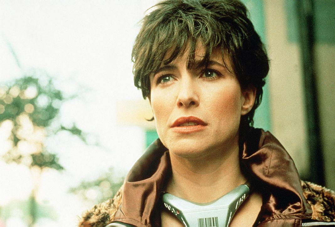 Bereut Tracy (Mimi Rogers), als Köder fungiert und somit Frank in eine tödliche Falle gelockt zu haben? - Bildquelle: Home Box Office (HBO)
