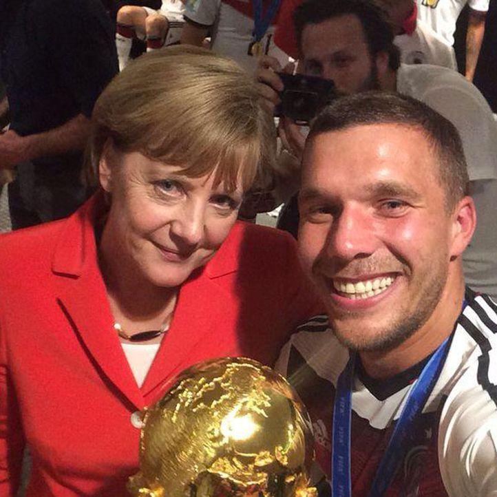 Die schönsten Selfies des WM-Sieges: Podolski mit Merkel - Bildquelle: Instagram