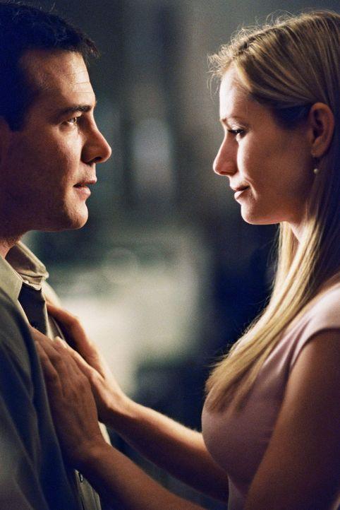 Was tun, wenn es für jeden Menschen nur eine wahre Liebe gibt? Michael (Richard Ruccolo, l.) gesteht Gail (Meredith Monroe, r.) seine Liebe ... - Bildquelle: ABC Family