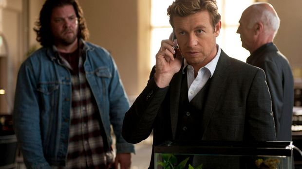Patrick Jane (Simon Baker, M.)  ist dem Serienmörder Red John, dicht auf den...