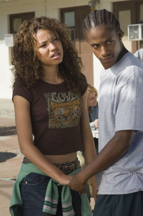 Kann Danyelle Rollins (Jurnee Smollett, l.) den Kriminellen Willie Weathers (Jade Yorker, r.) auf den rechten Pfad zurückführen? - Bildquelle: Copyright   2006 Columbia Pictures Industries, Inc. and GH One LLC. All Rights Reserved.