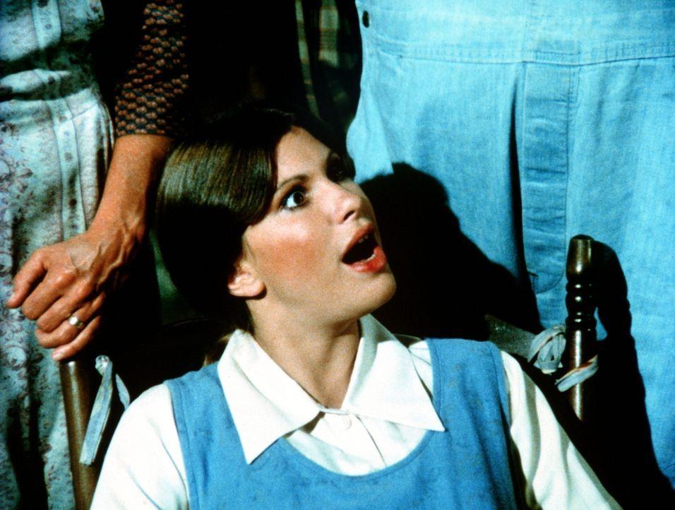 Besorgt verfolgen die Waltons den Streit zwischen Mary Ellen (Judy Norton-Taylor) und ihrem Mann Curt, der unbedingt will, dass das Baby, das Mary E... - Bildquelle: WARNER BROS. INTERNATIONAL TELEVISION