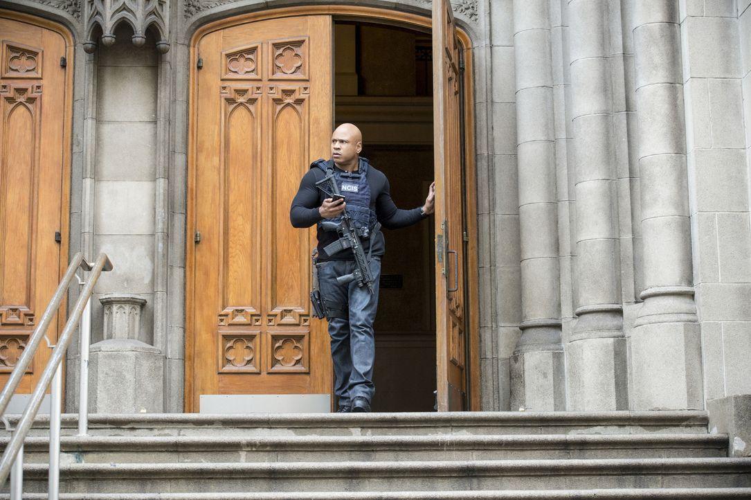 Wird es Sam (LL Cool J) und seinen Kollegen gelingen, Kensi aus den Fängen von Sullivan zu retten? - Bildquelle: Neil Jacobs 2017 CBS Broadcasting, Inc. All Rights Reserved.